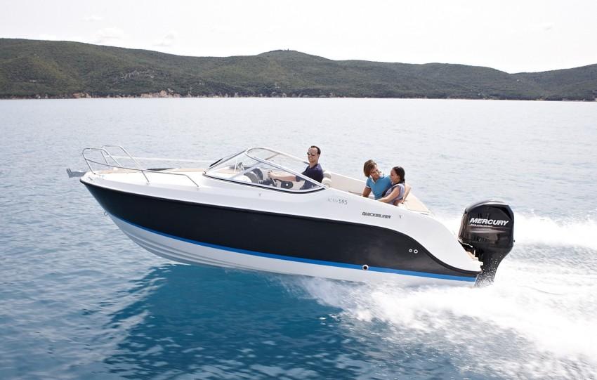 motorboote innenborder au enborder sportboote bowrider. Black Bedroom Furniture Sets. Home Design Ideas